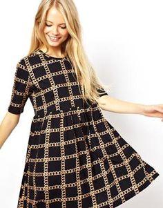 Imagen 1 de Vestido amplio con estampado de cadena de ASOS