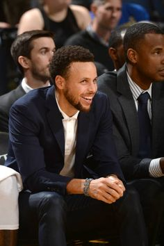 Stephen Curry of the Golden State Warriors smiles from the bench during the game against the Atlanta Hawks on November 13 2018 at ORACLE Arena in. Stephen Curry Family, Nba Stephen Curry, Curry Warriors, Warriors Stephen Curry, Westbrook Nba, Russell Westbrook, Nba Players, Basketball Players, Stephen Curry Outfit