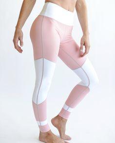 Peach light n tights!  @zywithky www.myzyia.com/zywithky #leggings #activewear #ActiveLeggings