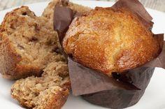 El muffin es uno de los dulces más consumidos a la hora del té. Si quieres una receta fácil y rica, aquí compartimos la de Pedro Lambertini: http://elgour.me/1znQhGo  #elgourmet #Recetas #Dulces
