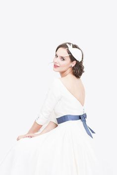noni Lieblinge   tea-length Brautkleid mit Petticoat, Ärmeln und tiefem Rückenausschnitt  (www.noni-mode.de - Foto: Le Hai Linh)