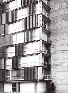 """Detalle de la fachada, Condominio """"Lomas Virreyes"""" Félix Berenguer 150, Lomas de Virreyes, Miguel Hidalgo, México DF 1961  Arq. Abraham Zabludovsky"""