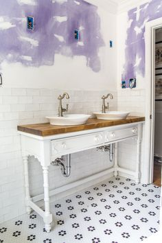 How to Turn a Console Table Into a Bathroom Vanity | blesserhouse.com - A tutorial for how to reconstruct a console table to repurpose as a bathroom vanity and leave drawers functional underneath sinks. #bathroomreno #vanity