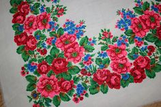 Vintage large shawl Ukrainian/Russian style 100% Wool