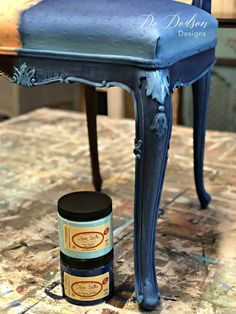 Home Design - Home Decor and Design Tips Painting Fabric Furniture, Paint Upholstery, Paint Furniture, Furniture Projects, Furniture Makeover, Cool Furniture, Furniture Design, Furniture Repair, Furniture Dolly