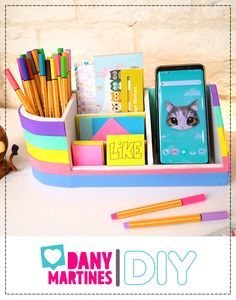 Cool Paper Crafts, Paper Crafts Origami, Cardboard Crafts, Fun Crafts, Cardboard Boxes, Origami Art, Diy Crafts For Home Decor, Diy Crafts Hacks, Diy Crafts For Gifts