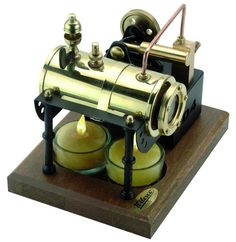 Faszination an alter Technik verschenken. Miniatur-Dampfmaschinen sind nicht nur für Sammler eine originelle Geschenkidee! Lesen Sie dazu den interessanten Beitrag hier: http://der-seniorenblog.de/senioren-news-2senioren-nachrichten/ . Bild:  djd/Wilhelm Schröder
