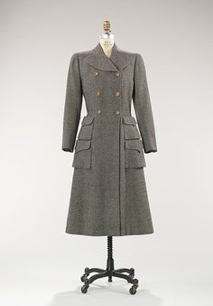 1946     The double pockets are fun. And this is exactly the style of winter coat I want.