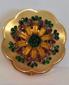 Vintage-Lucien-Lelong-14K-Gold-Plated-Medallion-RHINESTONES-JEWELED-Compact