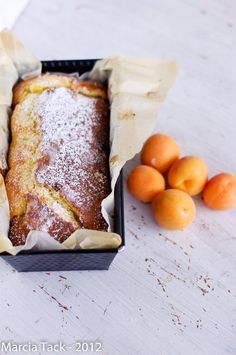 Gâteau aux abricots fondant - Fondant cake with apricot- Recette - Marcia Tack French Desserts, Köstliche Desserts, Dessert Recipes, Apricot Cake, Kolaci I Torte, Sweet Cakes, Love Food, Sweet Recipes, Food And Drink