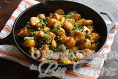 Batatas com Condimentos e Ervilhas | O Mundo Culinario de Bia Flores
