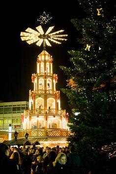 """Weihnachtsmarkt, Germany.{ """"Alle Jarhe wieder kommt das Christuskind"""".}"""