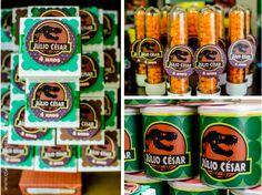 Pringles cans 🤔🤔 Dinosaur Birthday Party, 8th Birthday, Birthday Parties, Festa Jurassic Park, Festa Toy Story, Jurassic World, Root Beer, Birthday Decorations, Party Themes