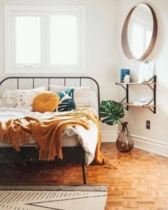 30 Boho chic Bedroom decor ideas and inspiration - rustic yellow color combo boh. 30 Boho chic Bedroom decor ideas and inspiration - rustic yellow c Bedroom Apartment, Home Decor Bedroom, Apartment Living, Bedroom Wall, Master Bedroom, Bedroom Furniture, Warm Bedroom, Bedroom Yellow, Furniture Plans