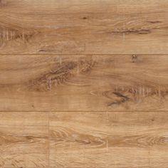 SE6954 Essex Oak -  Een warme bruintint met mooie bruine kleurvariaties. Donkere spiegels en nerven maken het hout complex en rustiek, terwijl de lichte lijnen die dwars op het decor staan extra diepte geven. Een mooi decor voor in een boerderijwoning of een woning met (antiek) houten meubilair.