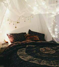Boho Chic Interior Design - Bohemian Bedroom Design - Josh and Derek Bohemian Bedroom Decor, Cozy Bedroom, Home Decor Bedroom, Bedroom Ideas, Modern Bedroom, Trendy Bedroom, Bedroom Designs, Bedroom Furniture, Bedroom Inspiration