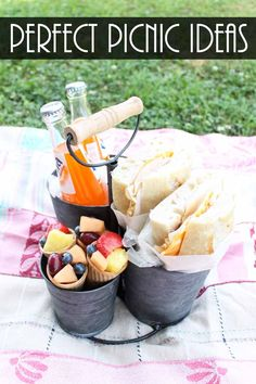 Plan the perfect picnic with our fail proof ideas! Perfect for a romantic picnic. - - Plan the perfect picnic with our fail proof ideas! Perfect for a romantic picnic. Romantic Picnic Food, Picnic Date Food, Picnic Desserts, Picnic Foods, Picnic Time, Romantic Dinners, Picnic Ideas, Picnic Recipes, Picnic Parties