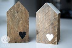 Huisjes van oud hout met of zonder hartje  - groot - Etsy.