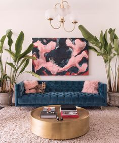 Find out why modern living room design is the way to go! A living room design to make any living room decor ideas be the brightest of them all. Cozy Living Rooms, Apartment Living, Tiny Living, Living Room Decor Gold, Art In Living Room, Blue And Pink Living Room, Living Room Decor Images, Retro Living Rooms, Clean Living
