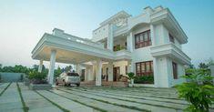 Home Entrance Decor, House Entrance, Chettinad House, Classic House Exterior, Plans Architecture, Indian Home Interior, Kerala House Design, Kerala Houses, House Front Design