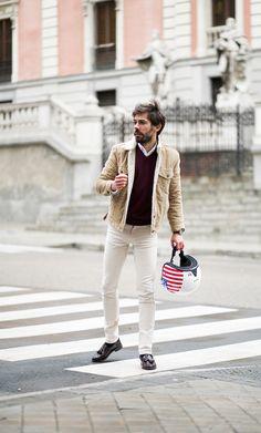 pana-levis-vespa-8 Vespa Helmet, Urban Outfitters, Zapatos Shoes, Zara, Michael Kors, Levis Jeans, Men's Fashion, Street Style, Style Inspiration
