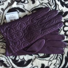 2x Host Pick Quilted Logo Leather Gloves Coach Quilted logo leather gloves. 100% silk lined. Cute leather bow at each wrist. Color is listed as currant, but it is a true eggplant to my eye. Never worn, new with tags. Coach Accessories Gloves & Mittens