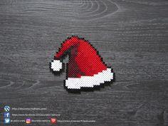 Perler Bead Designs, Easy Perler Bead Patterns, Melty Bead Patterns, Hama Beads Design, Hama Beads Coasters, Diy Perler Beads, Perler Bead Art, Hama Coaster, Christmas Perler Beads