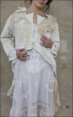 boho linen and lace coat Shabby Chic Outfits, Vintage Outfits, Boho Outfits, Shabby Chic Clothing, Romantic Clothing, Magnolia Pearl, Altered Couture, Bohemian Mode, Bohemian Style