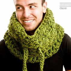 crochet green cowl....I'm not liking the pea soup color but I Do like the idea of a string to tie the cowl. It adds more options/ways to wear it!