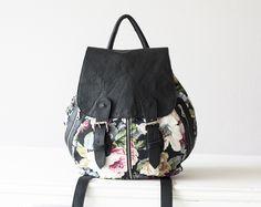 Rucksack mit Blumenmuster // backpack with floral print via DaWanda.com