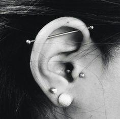 Ideas for piercing industrial cute tragus Ear Peircings, Helix Piercings, Cute Ear Piercings, Body Piercings, Piercing Tattoo, Double Cartilage, Cartilage Earrings, Piercings Bonitos, Tattoo Ideas