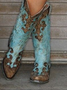 "Lane "" Dawson "" Turquoise/Brown Distressed Boots!"