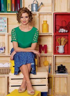 A apresentadora Micaela Góes, do programa Santa Ajuda, do GNT, lança livro e ensina como organizar os ambientes de casa
