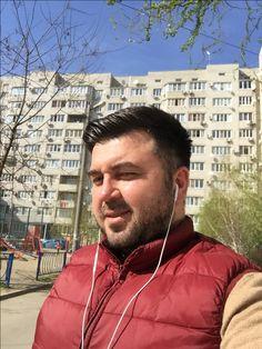 Good morning to everyone from ☀️ sunny Краснодар! #travelvloggers #travelvlogger #vlog #selcukunluturk #selcukunluturktravels #monopoltur #monopoldailytours #travel #instatravel #krasnodar #russia #rusya #russia🇷🇺#краснодар #галерея #центргорода #путешествия #развлеченияв #краснодаре #krasnodarlife #krasnodaring #krasnodarnews #krasnodar_region #krasnodarregion #krasnodarcity