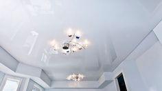 Глянцевый потолок в загородном доме. Производство Германия. #Pongs #натяжнойпотолок #Орандж