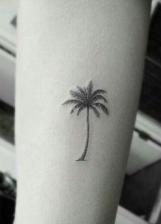 Simple palm tree tattoo design tatoo 43 ideas for 2019 Trendy Tattoos, Black Tattoos, Small Tattoos, Tattoos For Guys, Cool Tattoos, Tree Tattoo Arm, Hawaiianisches Tattoo, Tattoo Fonts, Palm Tree Tattoo Ankle