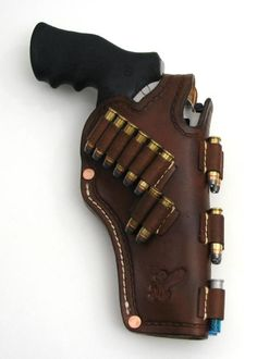 Custom Leather Holsters, Leather Armor, Leather Tooling, Leather Bags, Weapons Guns, Guns And Ammo, Cross Draw Holster, Pistol Holster, Leather Craft