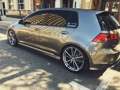 Come post about Volkswagen news and other interests. Vw Golf R Mk7, Golf 7 Gti, Car Volkswagen, Vw Cars, Lease Specials, Jetta Mk5, Vw Vintage, Honda Jazz, Sport Cars