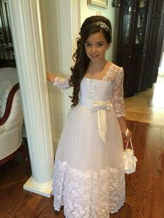 First Communion Dresses Carina - First Communion Dress with Lace Hem and Long Lace Sleeves - Vestidos para primera comunion - Kleid
