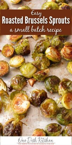 The easiest and BEST roasted Brussels sprouts recipe! Brussels sprouts sliced in half and drizzled with olive oil salt and pepper make the perfect side dish or healthy snack. Crispy full of flavor and so easy to make. Kitchen Dishes, Food Dishes, Side Dishes, Veg Dishes, Vegetable Dishes, Kitchen Recipes, Main Dishes, Clean Eating Snacks, Healthy Snacks