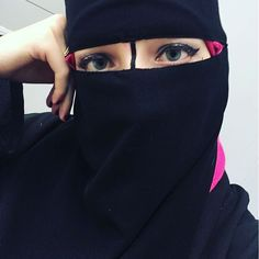 """Sleepy kind of morning. Working on making a """"dirty chai"""" to get some caffeine in me. Then my first therapy session this afternoon before class... #revert #islam #niqab #niqabi #ptsd #anxiety #niqabista"""