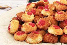 Besitos de coco. Esta es la famosa y tradicional receta de los besitos de coco típicos de Puerto Rico. - Buenapetito!