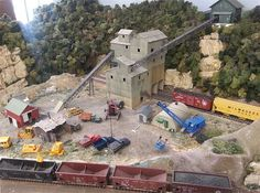 Gulf Coast Model Railroad & Hobby Shop - About Us Ho Scale Train Sets, Ho Scale Train Layout, N Scale Layouts, N Scale Model Trains, Model Train Layouts, Scale Models, Hobbs New Mexico, Industry Models, Train Room