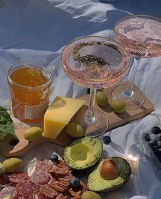 Cute Food, Good Food, Yummy Food, Food N, Food And Drink, Comida Picnic, Picnic Date, Summer Picnic, Think Food