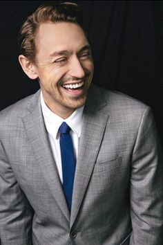 JJ Feild Photo in color. Seriously, I think I have something with British men with cute accents. What is with this madness?