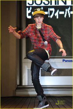 Dancing With Mike #JustinBieber #PalaceOfAuburnHills #AuburnHills #AskaTicket