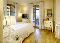 La Villa del Re, 5 star hotel in Sardinia front-sea with luxury services. Re Room, Luxury Services, Shabby Chic Style, Sardinia, Villa, Rooms, Italy, Sea, Furniture