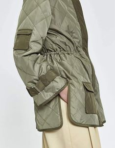 Make Your Own Clothes, Quilted Jacket, Jacket Style, Street Style Women, Streetwear Fashion, Winter Fashion, Winter Jackets, Dresses With Sleeves, Jeans