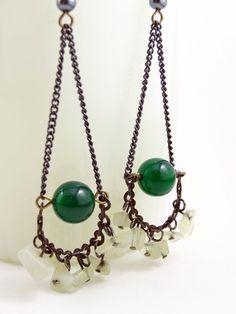 Green Bead Earrings - Dangling Earings - Boho Bohemian Gypsy Jewelry from on Etsy. Handmade Jewelry Tutorials, Diy Crafts Jewelry, Jewelry Ideas, Bohemian Jewelry, Wire Jewelry, Jewelery, Chain Earrings, Bead Earrings, Jewelry Making
