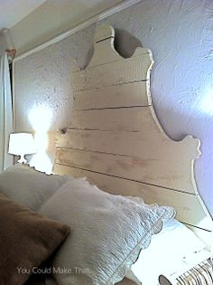 How to Build a Rustic Plank Headboard - using cedar planks and plywood. This is such a great project - via You Could Make That Shiplap Headboard, Build A Headboard, Pink Headboard, Modern Headboard, Headboard Designs, Diy Headboards, Funky Junk Interiors, Reclaimed Lumber, Pallet Furniture